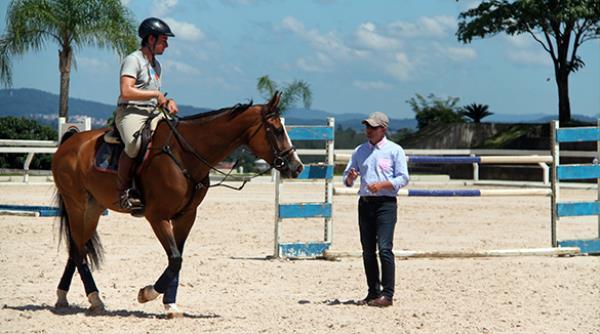 Projeto Cavalos Novos patrocinou clínica com Sebastian Rohde para os selecionados