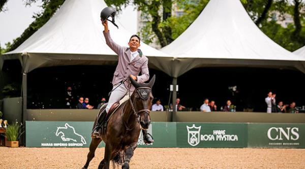 Raphael Leite é campeão Brasileiro Senior e Renat